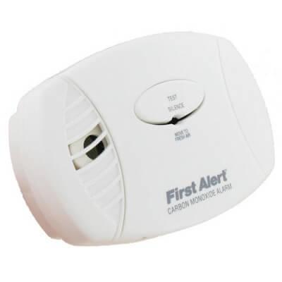 First Alert Plugin Carbon Monoxide Alarm CO605